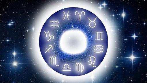 L'Oroscopo di Corinne: ecco cosa ci dicono le stelle per la settimana di Natale