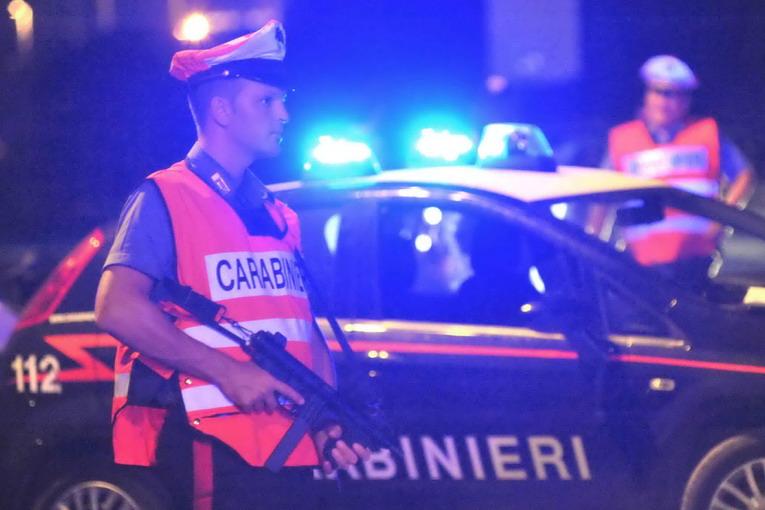 Sfruttamento prostituzione Torino, investivano i proventi nella produzione di marijuana