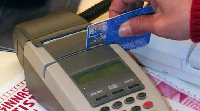 Torino: clonavano carte di credito, 2 arresti e 40 denunce