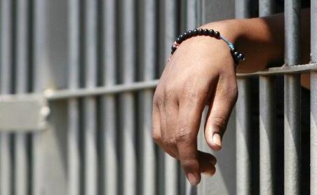 Scoppia un incendio nella mensa degli agenti del carcere Nc di #civitavecchia