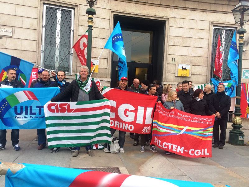 A Udine va in scena la protesta dei lavoratori del Legno-Arredo
