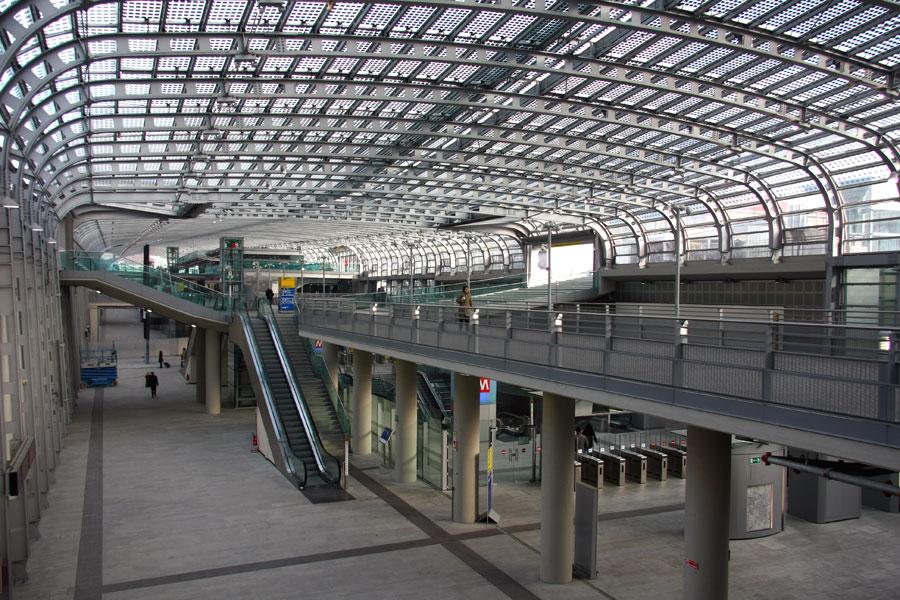 Porta susa un guasto tecnico manda in tilt la stazione - Torino porta susa porta nuova ...