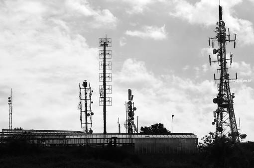 Tra divieti e comitati non si spegne il dibattito sul 5G: ma che cos'è esattamente?