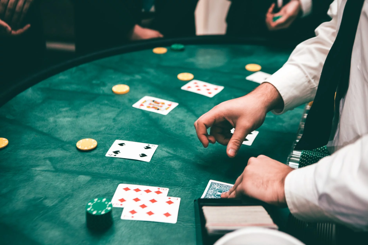 Why Baccarat Is So Popular In Online Card Gambling? - Torino Oggi