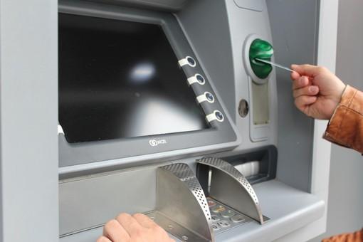 Coronavirus, chiudono le banche (e i bancomat) nei comuni montani. Uncem scrive all'Abi e ai prefetti