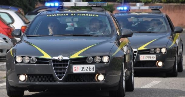 Bloccato all'aeroporto di Torino con 2 cobra in valigia
