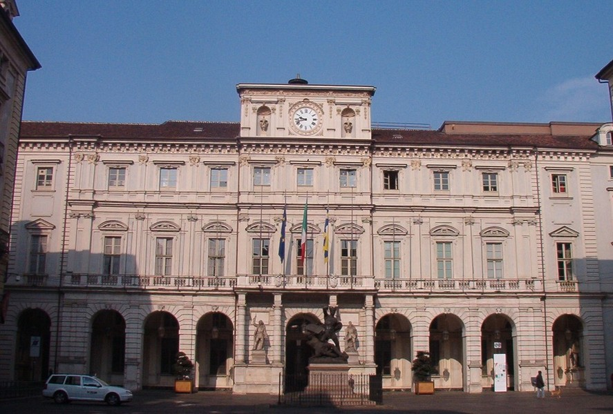 Ufficio Anagrafe A Torino : Uffici comunali lunedì aprile uffici chiusi ma servizi