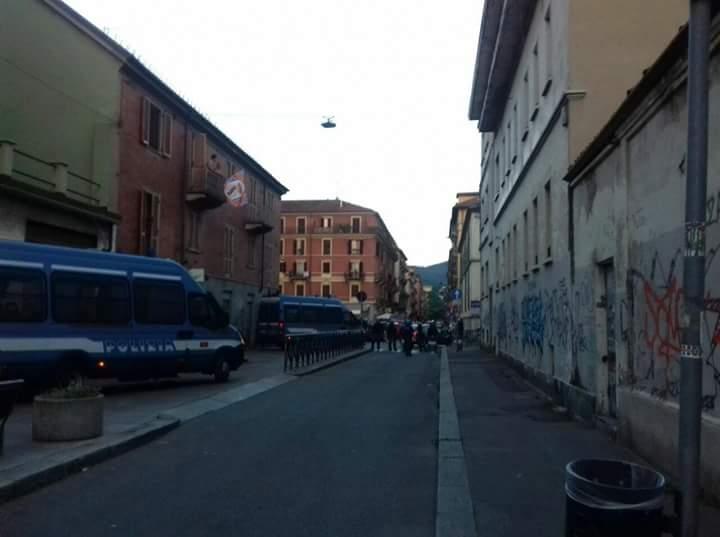 Torino insorge contro il divieto di movida: 4 agenti feriti