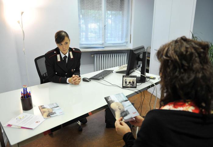 Arresto stalker Torino, vittima sostenuta e aiutata da Carabinieri