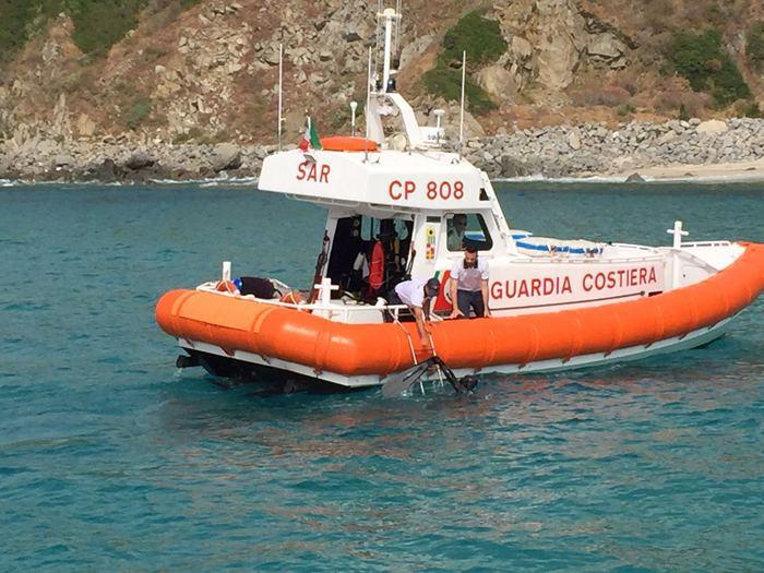 Portofino, si allontana in canoa per spararsi: salvato ex pallanuotista