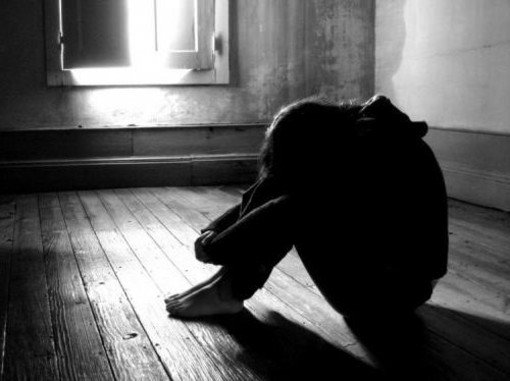 """Ivrea, 17enne denuncia violenza sessuale: la Procura indaga. Cauti gli inquirenti: """"Vicenda da verificare"""""""