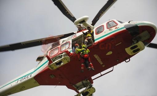 Incidente col parapendio in Valchiusella: i soccorsi resi difficili dagli altri praticanti