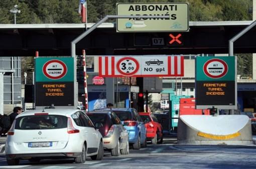 """Il tunnel del Frejus si """"stringe"""" per i mezzi pesanti Euro4: la Regione chiede ai francesi un tavolo tecnico"""