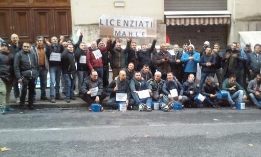 La crisi Mahle suona un nuovo rintocco della Vertenza Torino: lavoratori in piazza Castello venerdì mattina