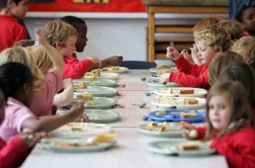 Stop al pasto da casa, la Cassazione ribalta la sentenza: si potrà mangiare solo in mensa