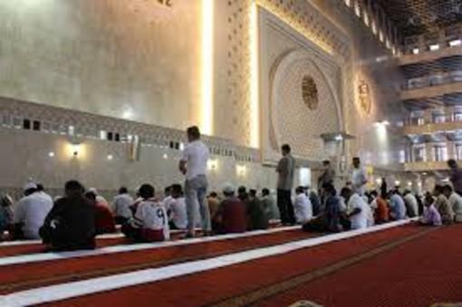 """Abuso edilizio per la moschea di via Monte Rosa 20, Palazzo Civico: """"Con tutto a norma potrà riaprire"""""""