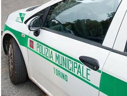 Municipale controlla un clochard, ma è un ricercato: arrestato