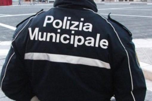 Molestatore sul bus: intervengono i vigili urbani a bordo del 18