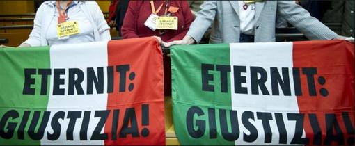 Eternit: Schmidheiny rinviato a giudizio a Vercelli: dovrà rispondere di omicidio volontario