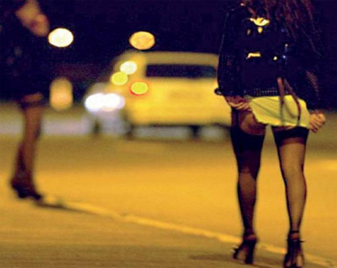 Sfruttamento della prostituzione 11 arresti a Torino ragazze picchiate e minacciate con riti voodoo