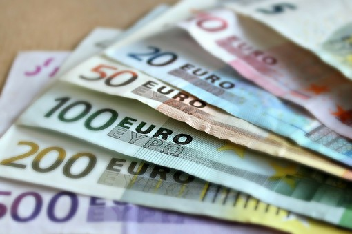 Bonus cultura, da 700 a 1000 euro