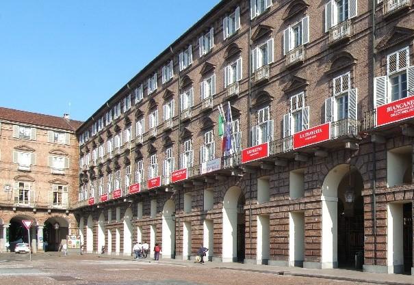 Torino: crolla la scenografia del Teatro Regio durante il Turandot: 2 feriti