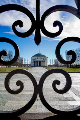 Musica dentro, al Mausoleo della Bela Rosin il cuore delle donne supera le sbarre
