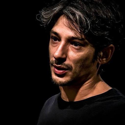 Le ultimissime news vanno in scena al Teatro Carignano con Fausto Paravidino