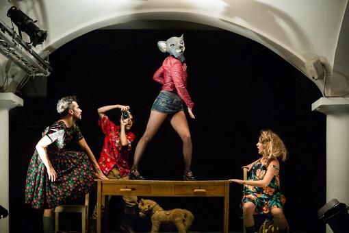 """Summer plays, al Carignano arriva """"La Segretaria"""" di Natalia Ginzburg con le musiche dei Perturbazione"""
