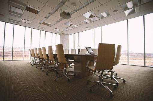 Sedia Ergonomica: guida alla scelta e all'acquisto di una sedia ergonomica per l'ufficio