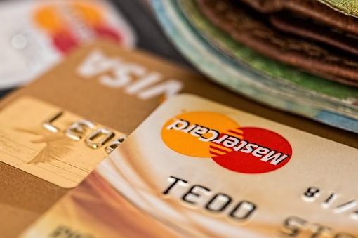 Carte di Credito Visa e Mastercard: Vantaggi, Differenze, Costi e Utilizzo