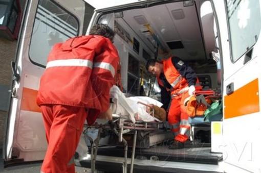 Scontro tra due auto e un camion in tangenziale nord di Torino, ferite due persone