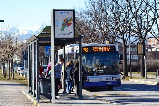 Grugliasco, da lunedì scalda i motori la nuova linea 76N che porta dalla metro all'Università