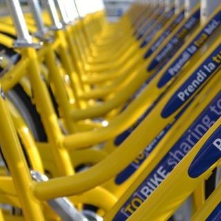 Coronavirus, a Torino bici gialle in sharing gratis per medici, infermieri e personale sanitario