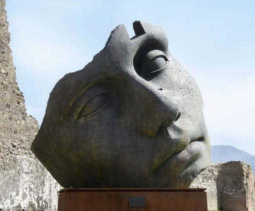 """Statue in cortile come """"vessillo di speranza"""": al Museo Accorsi-Ometto scultura è bellezza"""