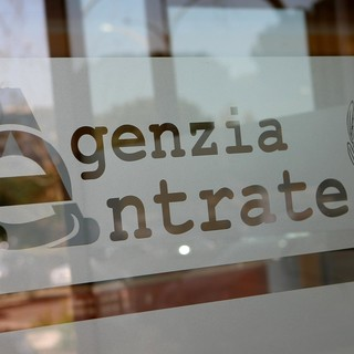 """Coronavirus, ecco i servizi """"a distanza"""" dell'Agenzia delle Entrate: dal codice fiscale alla tessera sanitaria"""