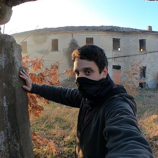 Alberto, l'esploratore urbano che ridà vita ai luoghi abbandonati
