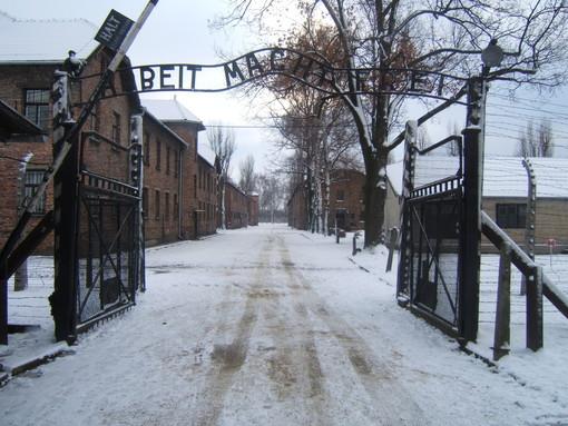 """Moncalieri, prende il via """"Promemoria-Auschwitz"""": per non dimenticare la Shoah"""