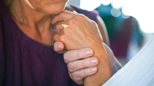 Villar Perosa tende la mano a chi è affetto da demenza