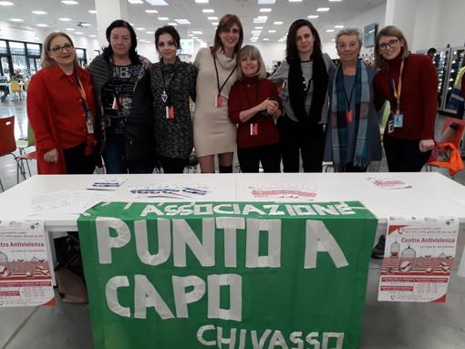 L'associazione Punto e a Capo nello stabilimento Amazon