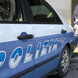 """Mirafiori, trentaseienne ai domiciliari non apre alla polizia: """"Pensavo fosse mia madre"""""""