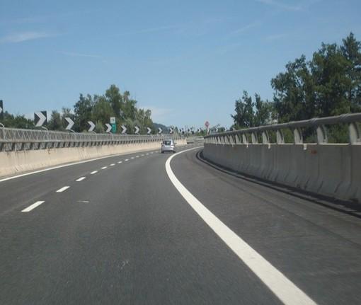 Anas, prosegue la manutenzione della segnaletica lungo il raccordo della Torino-Caselle