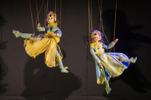 """Marionette Grilli in tour nei giardini e parchi di Torino, per """"bambini"""" dai 3 ai 99 anni"""
