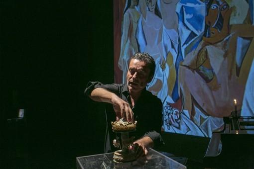 """L'arte è una caramella? Carlo Vanoni """"scarta"""" i capolavori del Novecento"""