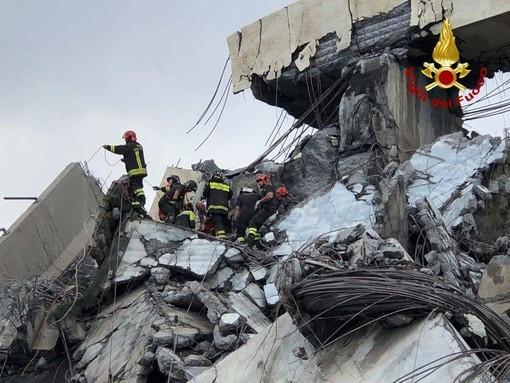 Crollo Genova, anche i Vigili del Fuoco torinesi in prima linea: 40 sul posto per aiutare nei soccorsi