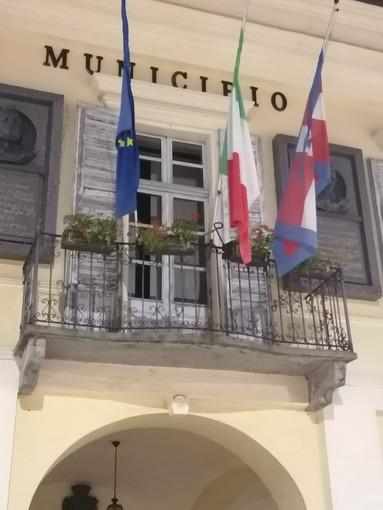 """Il """"mistero"""" dello stemma scomparso a Cavour"""