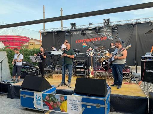 A Chivasso, tutti pronti a cantare le canzoni dei Nomadi con i Controvento