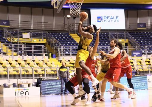 Basket, una Reale Mutua perfetta si abbatte su Mantova