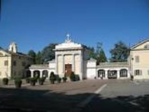 Torino, novità per i cimiteri: aperti anche il lunedì e orario estivo prolungato fino alle 19