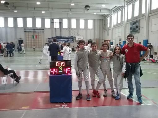Il Circolo della Scherma Ramon Fonst di Torino vince il Campionato Regionale  a squadre   di fioretto (Foto)